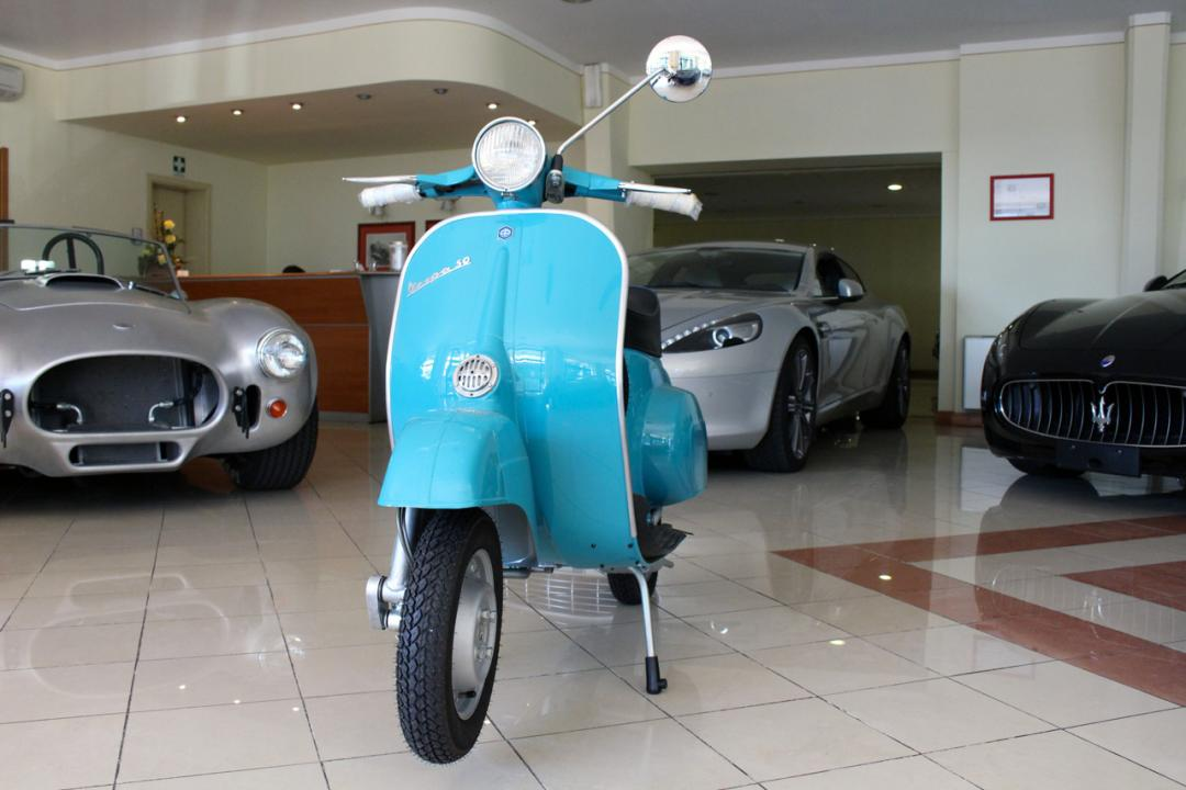 piaggio vespa 50 l motorcycles autoexclusive limo 39 s rent srl. Black Bedroom Furniture Sets. Home Design Ideas